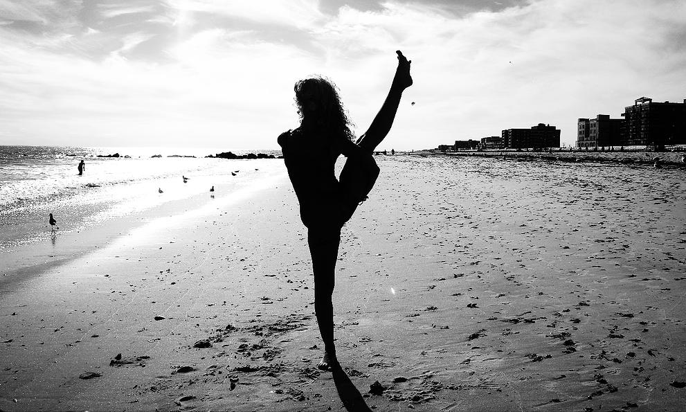 7 Benefits of Birds of Paradise Yoga - AskMeBlogger.com