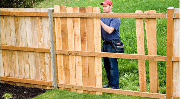 How to select a fence builder for your home?