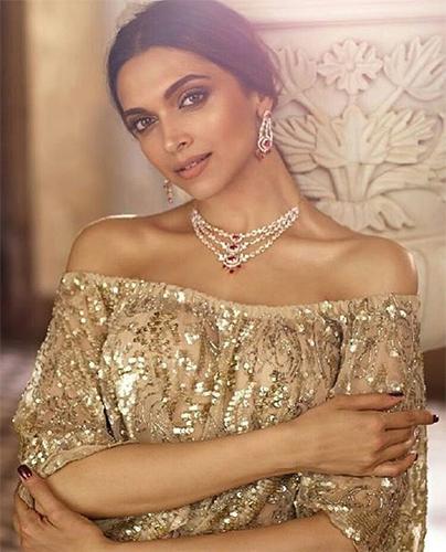 Buy women jewellery online