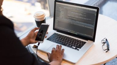 A Complete Guide to Outsourcing Mobile App Development